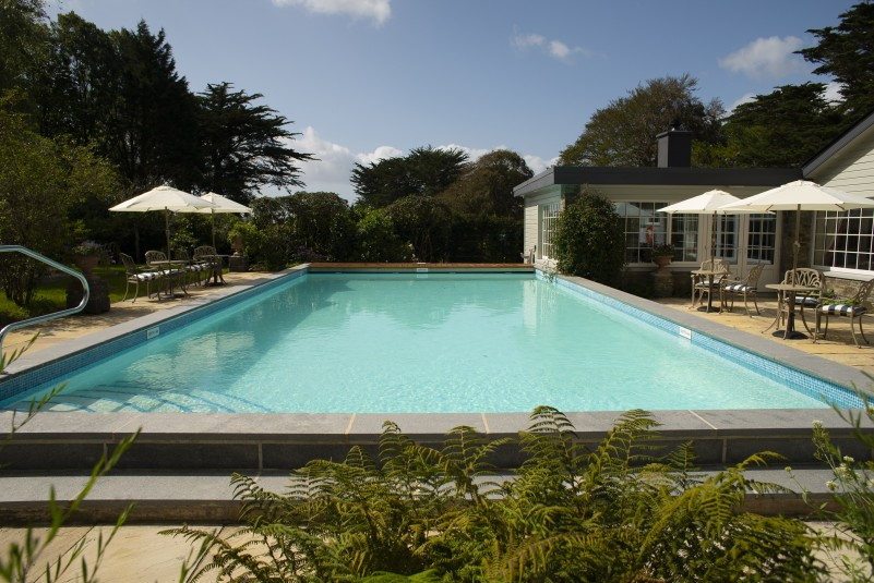 Swimming pool and Poolhouse in Bantry